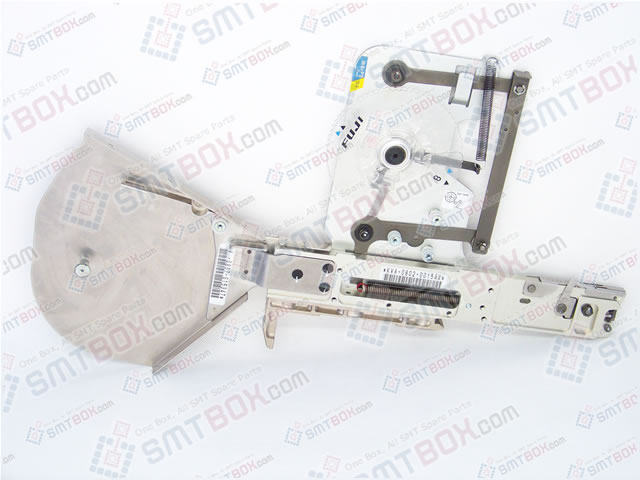 SMT设备及SMT配件 - http://cn.smtbox.com/syssite/home/shop/1/pictures/productsimg/big/Fuji_CP6_8x2mm_Paper_Feeder_AKJPA0100_for_0201C-0603C_Capacitor-side-a.jpg